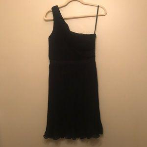 Club Monaco Dresses - One-Shoulder Club Monaco Pleated Dress (Size 4)